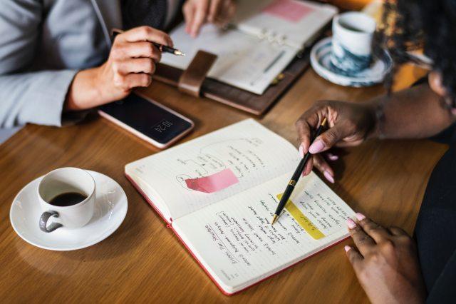BusinessWomen-Hands.jpg